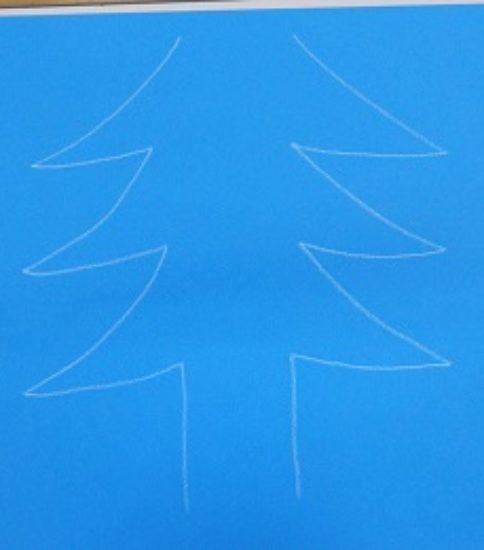 クリスマスツリーを描こう