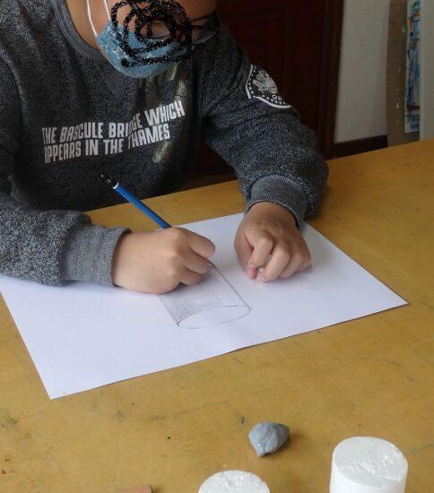 子供の 鉛筆デッサン